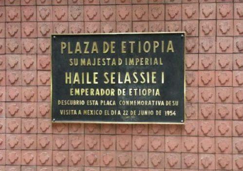Restauración de la placa conmemorativa de la visita de Haile Selassie I y exposición permanente en la estación del metro Etiopía [in Spanish]