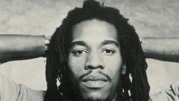 Benjamin Zephaniah refuses an O.B.E.